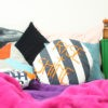 kotulla pj cushion blau, weiss gestreift mit orangener bestickung