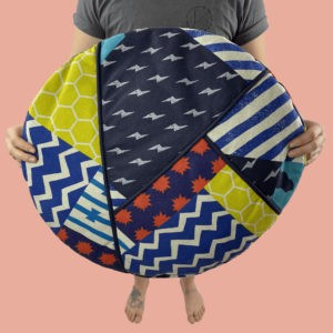 kotulla blanket cushion bunt geometrisch gemustert mit paspeln
